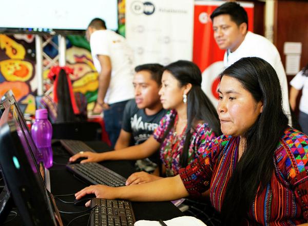 Radios indígenas mayas denuncian a autoridades de Guatemala por no respetar sus derechos culturales