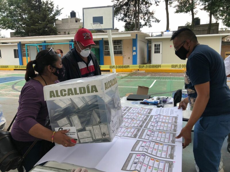Reporta INE inicio de cierre de casillas en la mayor parte del país