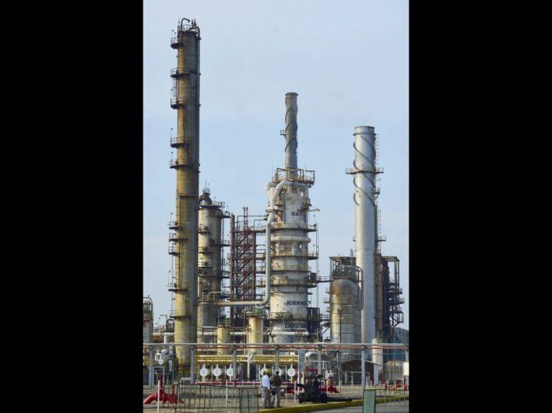 Sabotaje en la refinería de Salina Cruz, denuncia AMLO