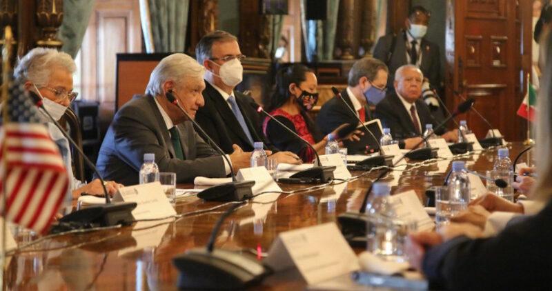 México y EU reiteran cooperación; reunión AMLO-Harris fue un éxito: Ebrard