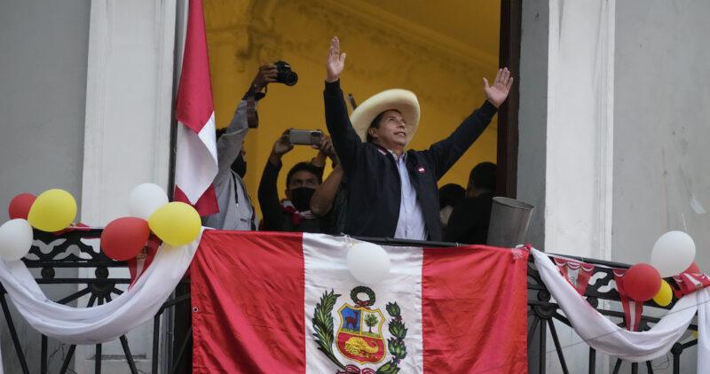 La izquierda gana Perú: el profe Pedro Castillo será Presidente