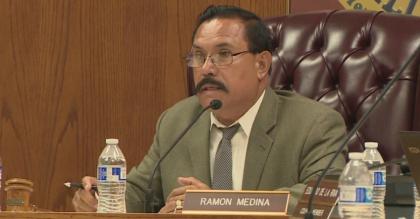 El ex alcalde de Maywood y otras diez personas se declaran inocentes en investigación de corrupción