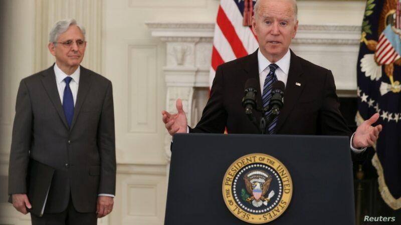 Biden lanza ofensiva contra la venta ilegal de armas