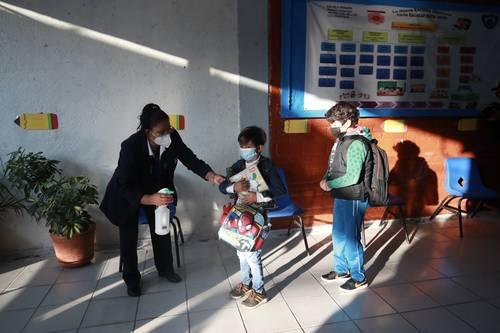 Regreso a clases está en marcha en 703 municipios mexicanos