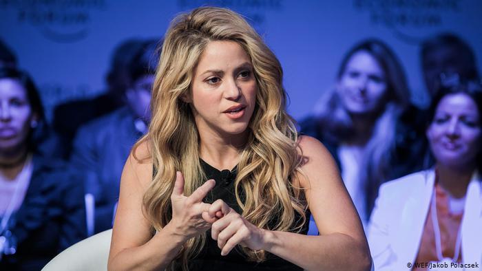 """España: juez ve """"indicios suficientes de criminalidad"""" en caso de Shakira"""