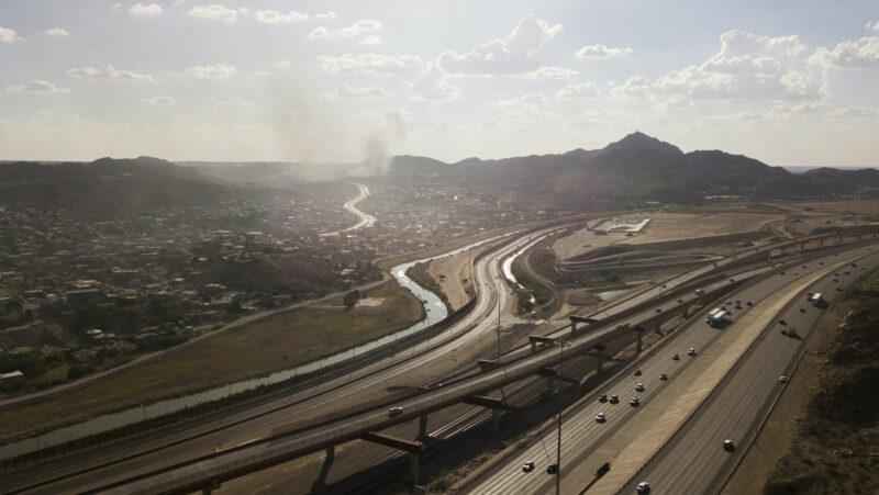 Video; Republicano quiere vender un muro de casi 5 kilómetros entre EU y México que le costó 30 millones de dólares