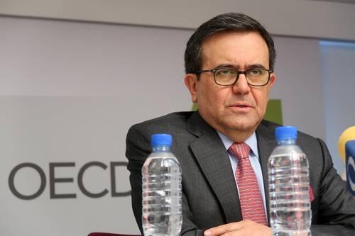 Fiscalía niega que el secretario de Economía de Peña, Idelfonso Guajardo, sea perseguido político. En marzo le presentaron pruebas en su contra y aún no responde