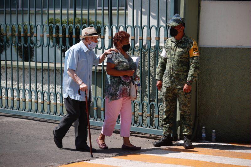Van 215 militares mexicanos muertos en la pandemia