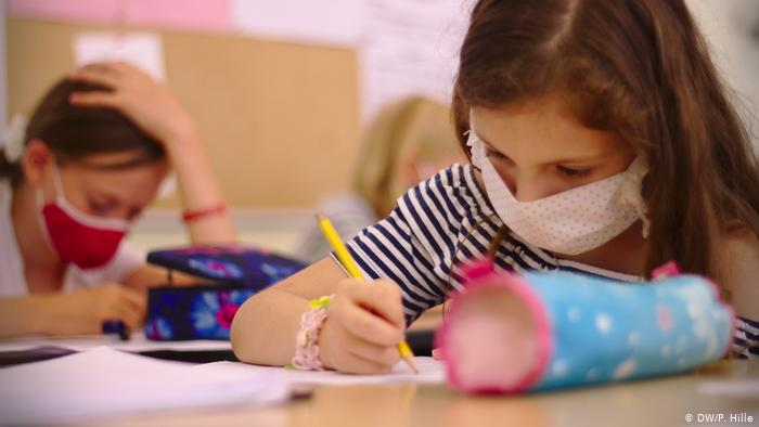 Prioritario que gran parte del presupuesto sin precedente del distrito escolar sea invertido en la atención de necesidades estudiantiles, asegura el sindicato de docentes