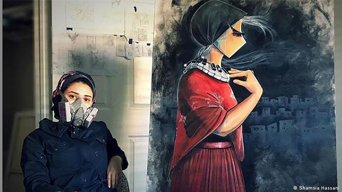 La grafitera Shamsia Hassani da voz a los temores de las mujeres afganas