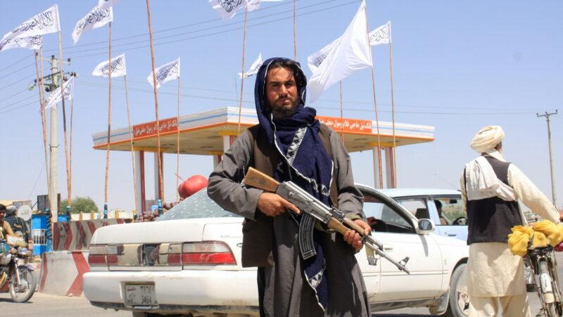 Videos: Los talibanes anuncian que controlan todo Afganistán tras llegar a Kabul. El Gobierno promete transición pacífica del poder