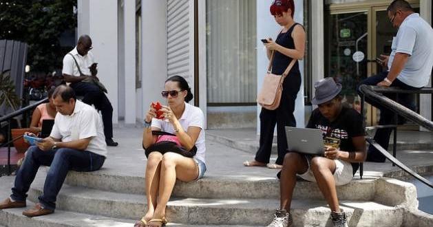 """Cuba califica como """"agresión"""" una enmienda del Senado de EEUU respecto a internet en la isla"""