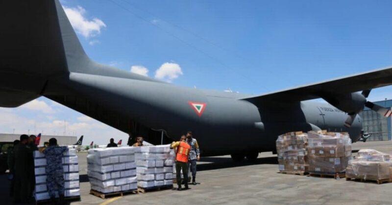 Video: México manda primer avión con ayuda a Haití; van 724 muertos por el terremoto