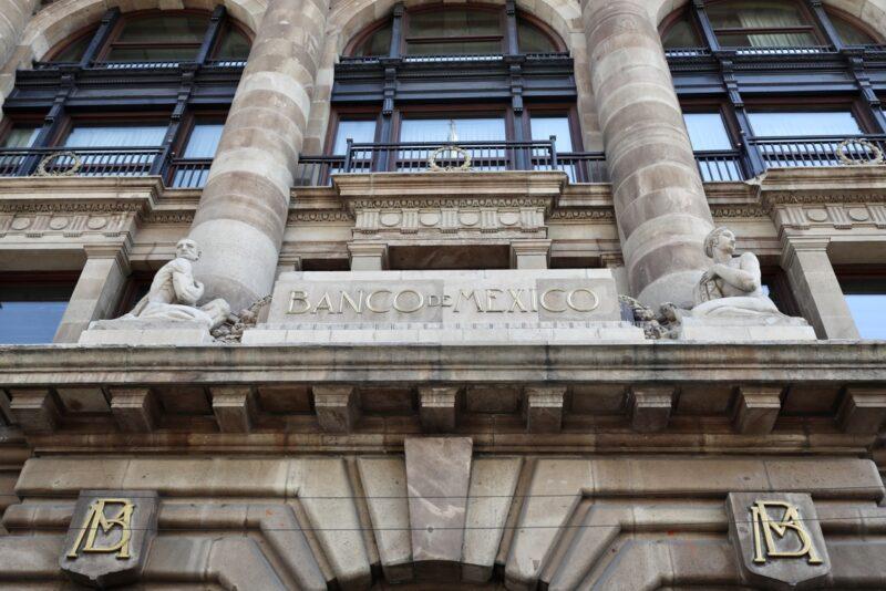 Eleva BdeM tasa de interés a 4.50% ante inflación