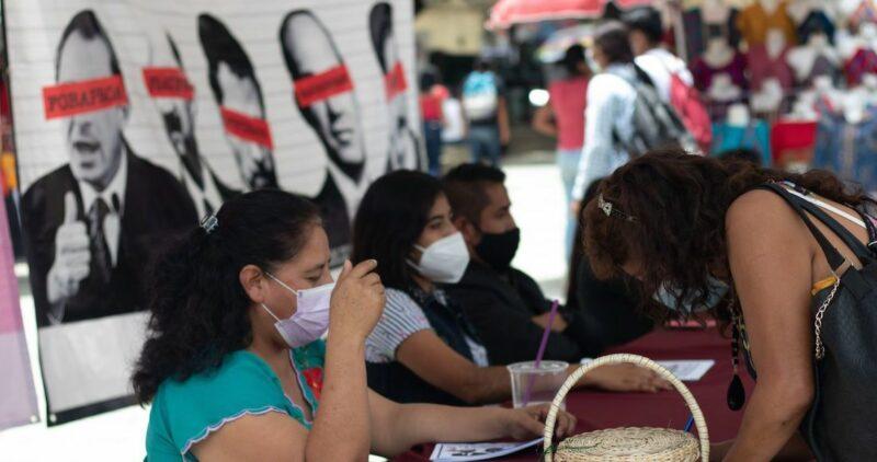 La consulta, fracaso total, de popular no tuvo nada. López Obrador se desbarranca, afirma Fox y Calderón reproduce caricaturas alusivas al supuesto fiasco del proceso