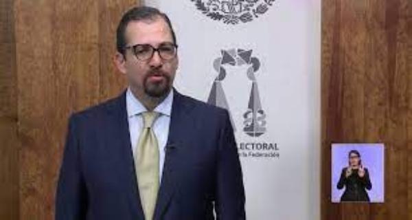 José Luis Vargas, dispuesto a renunciar a la presidencia del TEPJF. Pide que el pleno decida a su sucesor. Dimite Reyes Rodríguez, designado apenas el miércoles pasado