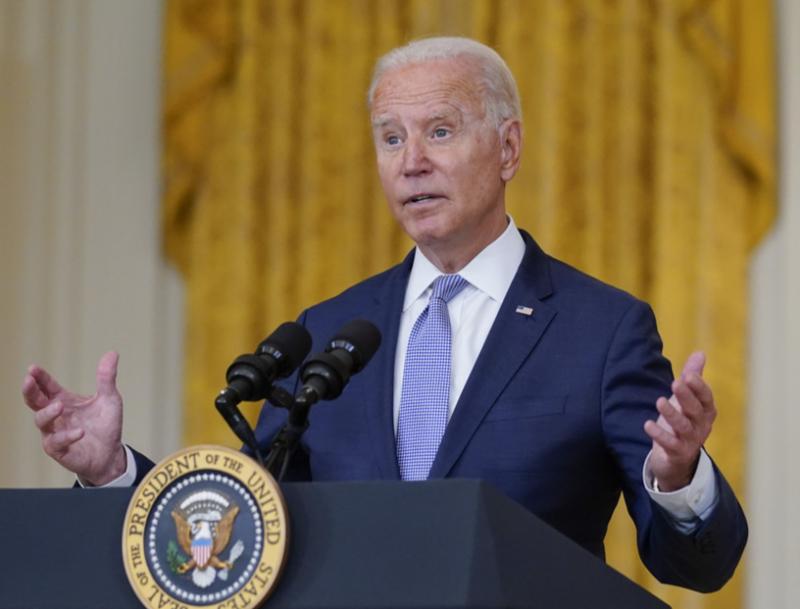 La llegada al poder de los talibanes le pega a Biden: sólo el 46% de estadounidenses aprueba su gestión