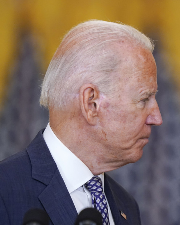 El 52 % de los estadounidenses no cree que Biden sea física y mentalmente apto para el cargo del presidente