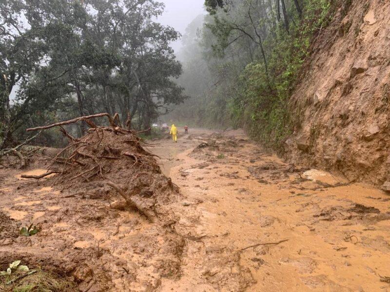 Huracán 'Nora' deja dos desaparecidos y casas dañadas en Jalisco. Se desbordaron ríos, arroyos y cuerpos de agua