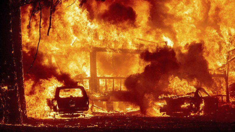 Video: Al incendio Dixie se une un pirómano acusado de provocar otros fuegos en California