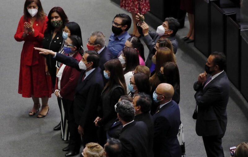 Rogelio Ramírez de la O rinde protesta como titular de Hacienda. Destaca que combatir desigualdades y pobreza e impulsar el desarrollo productivo, son prioridad en el proyecto económico
