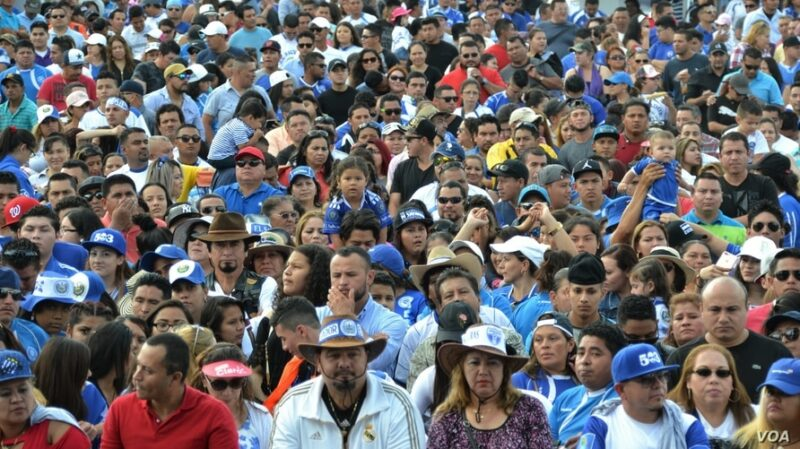 Latinos, la minoría más grande de EU y con mayor crecimiento: se duplicó en tres décadas, hasta los 62,1 millones
