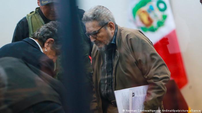 Perú sigue sin decidir destino del cadáver de Abimael Guzmán
