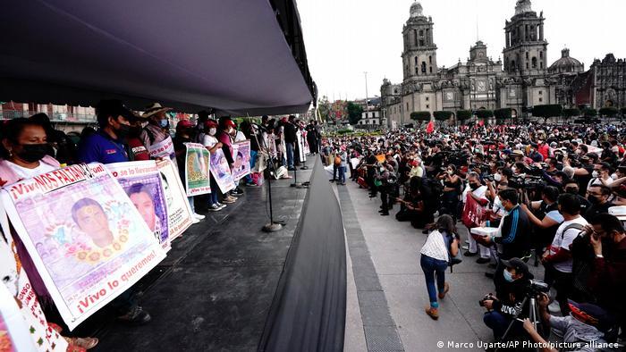 Presuntos nexos de Enrique Peña Nieto con el narco, pieza clave en caso Ayotzinapa