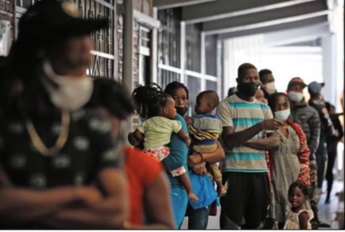 Repletos, albergues de la Ciudad de México por doble oleada de haitianos