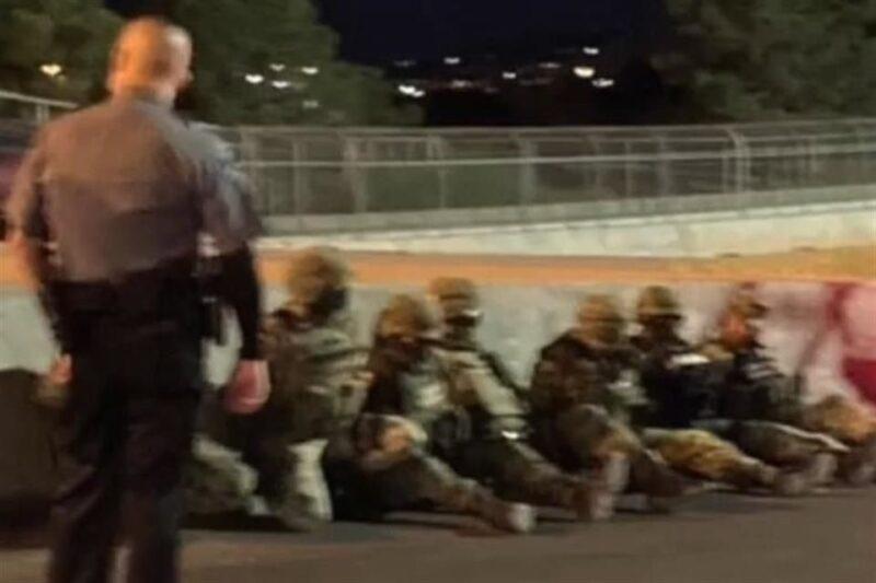 Agentes de aduanas de EU detienen varias horas a 7 militares mexicanos