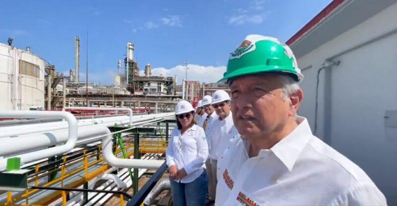 Se han invertido 32 mil millones de pesos para rehabilitar seis refinerías: AMLO