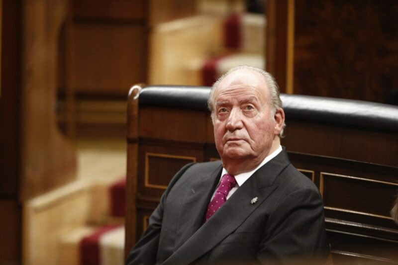 Imputa fiscalía cuatro delitos a Juan Carlos, rey emérito español