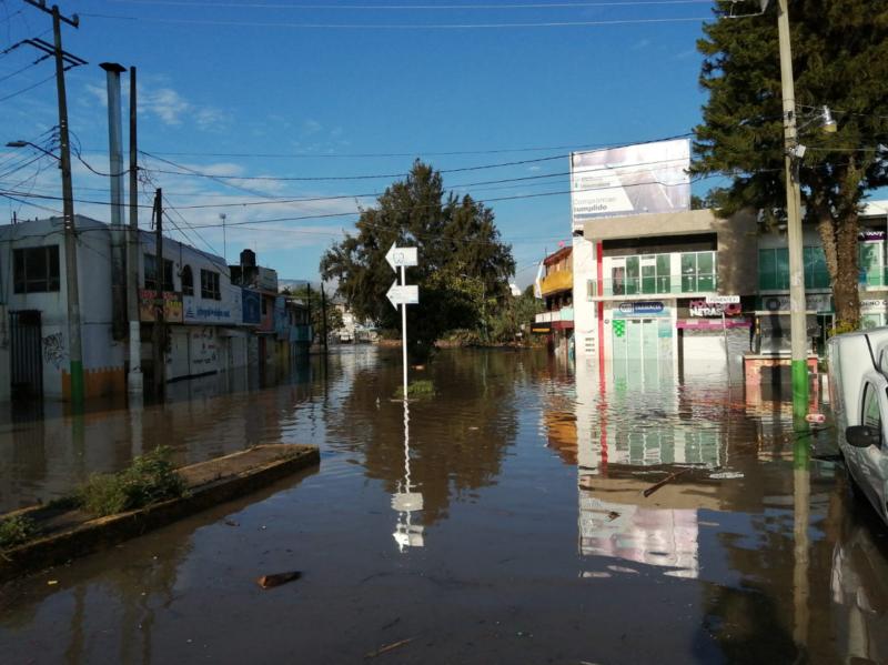 Tula, aún sumida en la inundación; vecinos claman ayuda