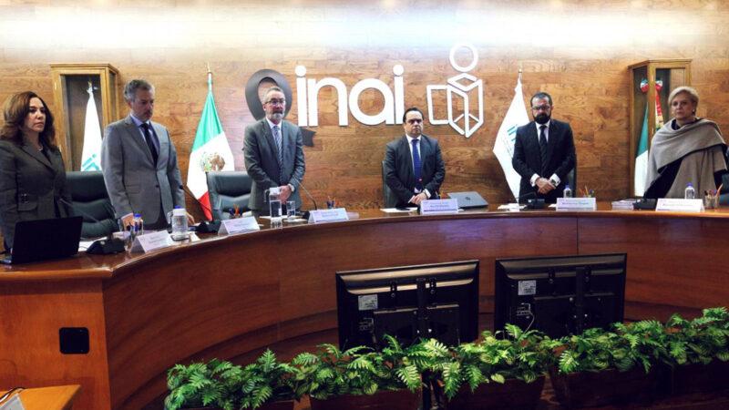 AMLO afirma que EU financia a Mexicanos contra la Corrupción, creador del INAI, que a su vez lo investiga a él