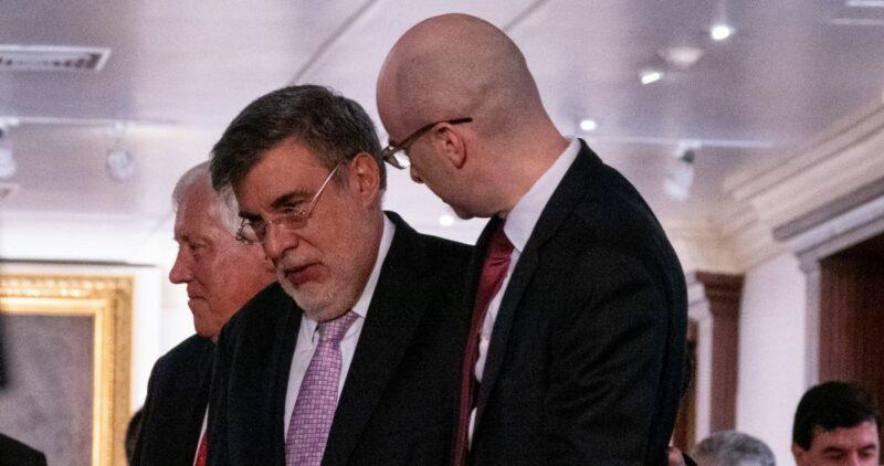 Sólo un rumor la supuesta renuncia de Julio Scherer como Consejero Jurídico de la Presidencia. Acudió al informe de AMLO, afirma el vocero presidencial