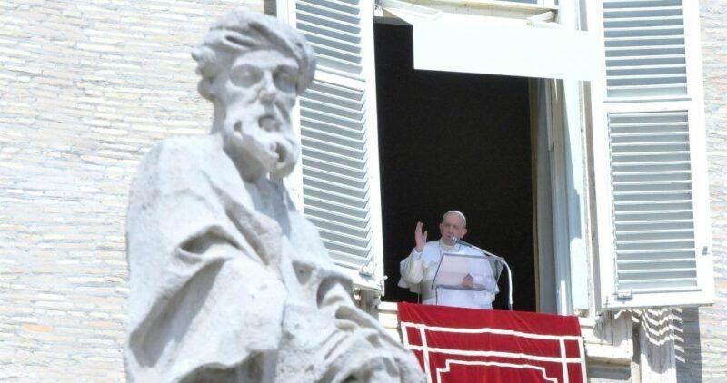 Papa Francisco reza por los muertos en hospital de Tula y afectados por inundaciones en México