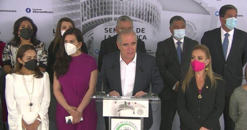 Tercera disculpa pública de panistas por haberse reunido con el líder del ultraderechista español Vox. No comparten sus banderas, aseguran