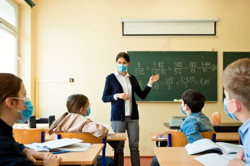 El 99 por ciento de los docentes angelinos ya están vacunados contra el COVID-19