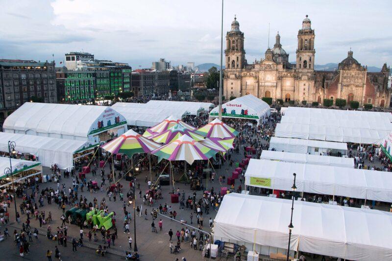 Videos   Abre la Feria Internacional del Libro del Zócalo de la Cd. de México con homenaje a Antonio Helguera