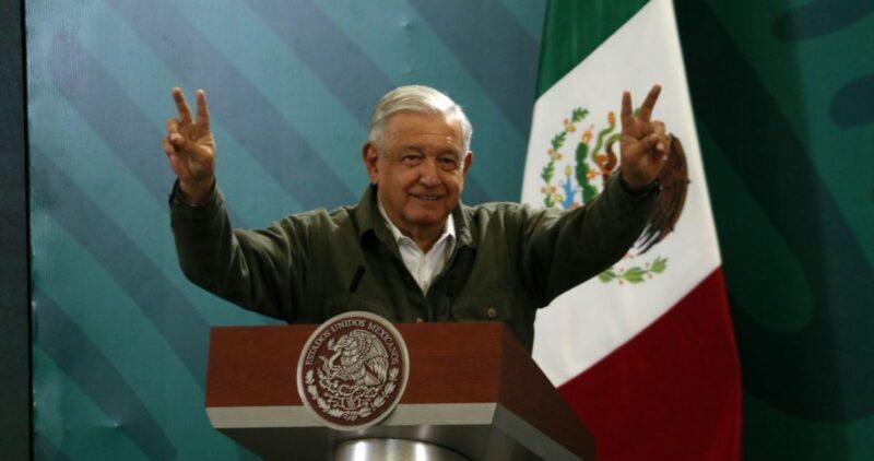 Pide AMLO investigar si delinquieron los 3 mil políticos y empresarios mexicanos que trasladaron recursos a paraísos fiscales