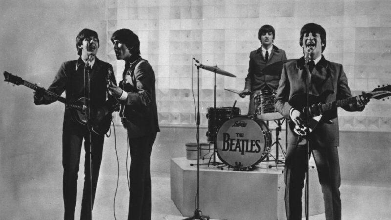 Lennon, responsable de la ruptura de los Beatles, acusa Paul McCartney