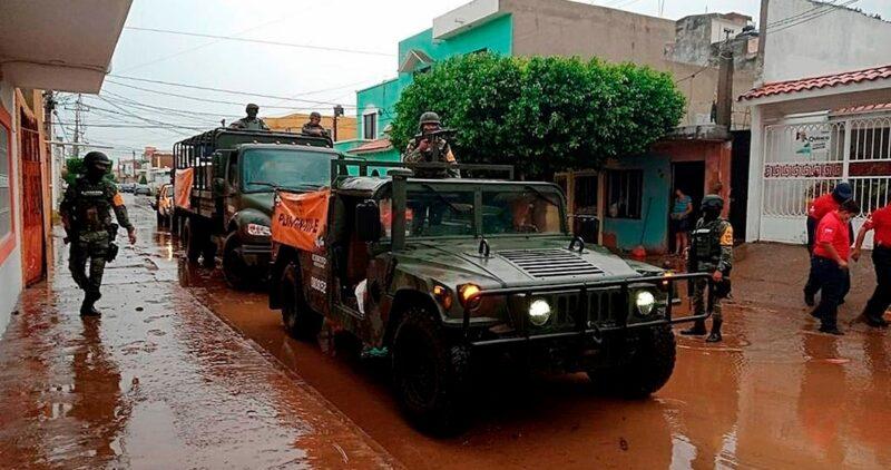 """Videos   El huracán """"Pamela"""" provoca inundaciones y desbordes en Nayarit y Sinaloa; auxilian a miles de atrapados"""