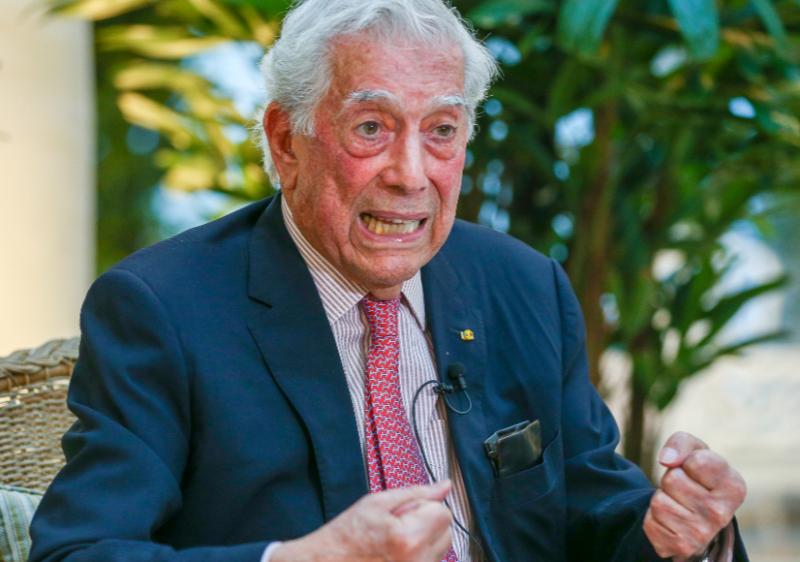 """El Nóbel de Literatura, Mario Vargas Llosa, de los """"Panamá Papers"""" a los """"Pandora Papers"""""""